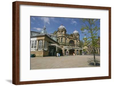 Buxton Opera House, Derbyshire-Peter Thompson-Framed Photographic Print