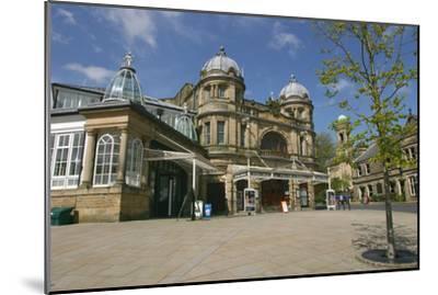 Buxton Opera House, Derbyshire-Peter Thompson-Mounted Photographic Print