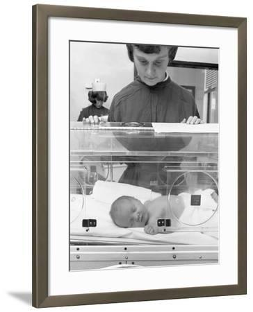 Special Care Unit for Premature Babies, Nether Edge Hospital, Sheffield, South Yorkshire, 1969-Michael Walters-Framed Photographic Print