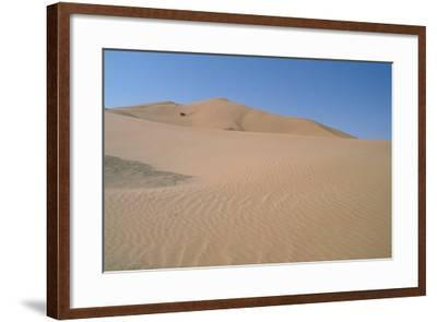 The Empty Quarter, Oman-Vivienne Sharp-Framed Photographic Print
