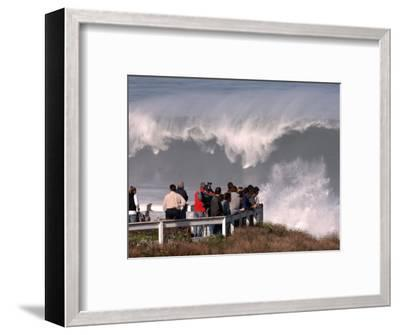 Spectators Line the Bluff at La Jolla Cove to Get a Good Look at the Large Surf in San Diego--Framed Photographic Print