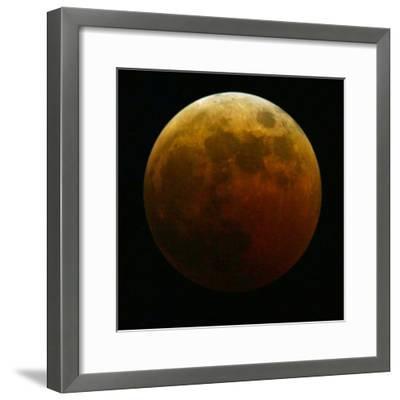 Lunar Eclipse-Harry Cabluck-Framed Photographic Print