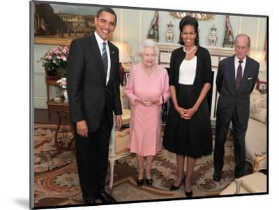 President Obama and His Wife Pose with Queen Elizabeth II and Prince Philip, During an Audience at --Mounted Photographic Print