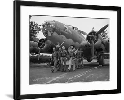 WWII Flying Fortress Crew 1942--Framed Photographic Print