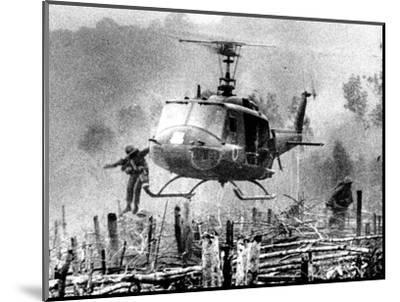 Nightmare Landing Zone-Associated Press-Mounted Photographic Print
