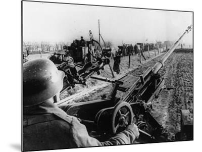 WWII German Anti Aircraft Crew--Mounted Photographic Print