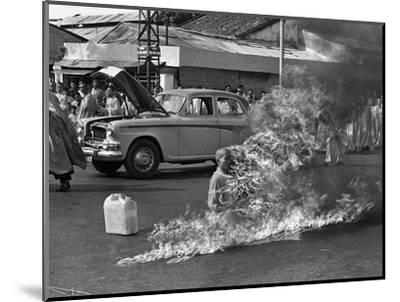 Vietnam Monk Protest-Malcolm Browne-Mounted Photographic Print