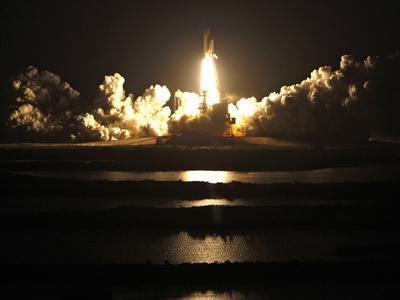 APTOPIX Space Shuttle-John Raoux-Framed Photographic Print
