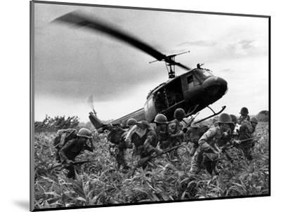 Vietnam War U.S. Army Helicopter-Nick Ut-Mounted Photographic Print