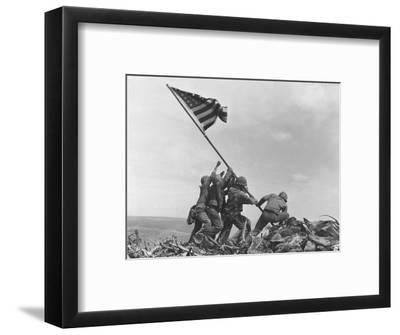 Iwo Jima Flag Raising-Joe Rosenthal-Framed Photographic Print
