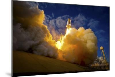 Space Shuttle Atlantis--Mounted Photographic Print