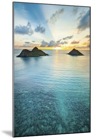 Lanikai Rainbow Sunrise-Cameron Brooks-Mounted Photographic Print