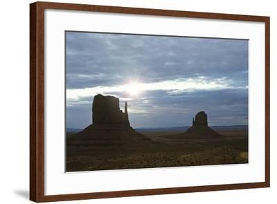Monument Valley 04-Gordon Semmens-Framed Photographic Print