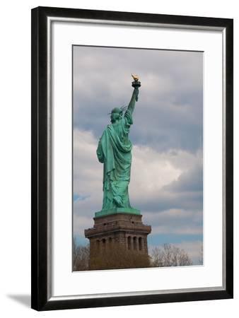 Statue of Liberty I-Erin Berzel-Framed Photographic Print