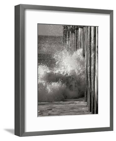 Wave 7-Lee Peterson-Framed Photographic Print
