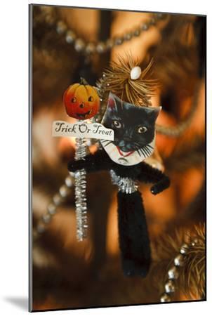 Halloween III-Philip Clayton-thompson-Mounted Photographic Print