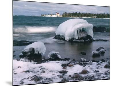 Ice Formations on Lake Superior Below Copper Harbour Lighthouse, Keweenah Peninsula, Michigan, USA-Willard Clay-Mounted Photographic Print