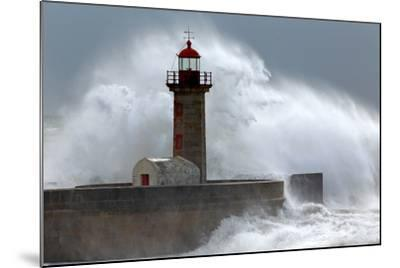 Huge Wave over Lighthouse-Zacarias da Mata-Mounted Photographic Print