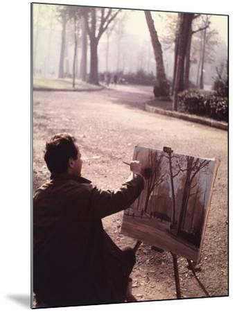 Painter in the Park-Vincenzo Balocchi-Mounted Photographic Print