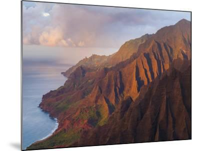 The Fluted Cliffs of the Na Pali Coast at Sunset, Kauai, Hawaii.-Ethan Welty-Mounted Photographic Print