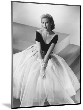 Grace Kelly, Rear Window, 1954--Mounted Photographic Print