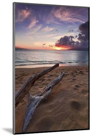 The Sun Setting over the Ocean on North Kaanapali Beach in Maui, Hawaii-Clint Losee-Mounted Photographic Print