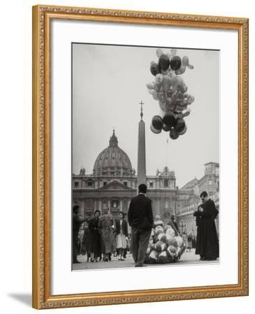 Sale of Balloons in Front of St. Peter's Basilica at the Vatican-Luigi Leoni-Framed Photographic Print