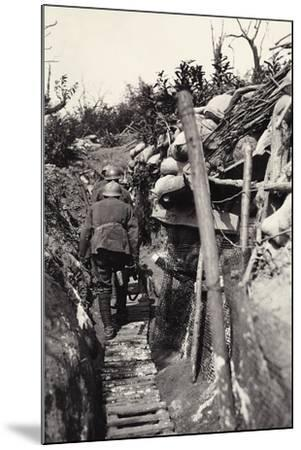 Italian Soldiers in a Trench of Podgora During World War I-Ugo Ojetti-Mounted Photographic Print