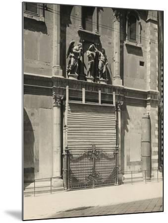 Protecting the Gates of Paradise of the Baptistery During the First World War, Florence-Giuseppe Giani-Mounted Photographic Print