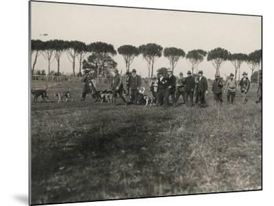 Hunters-Luigi Leoni-Mounted Photographic Print