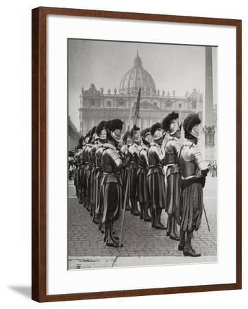 Swiss Guards at San Pietro, Vatican-Luigi Leoni-Framed Photographic Print