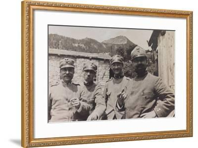 Free State of Verhovac-July 1916: a Group of Italian Soldiers in Bevorchians in Val D'Aupa--Framed Photographic Print