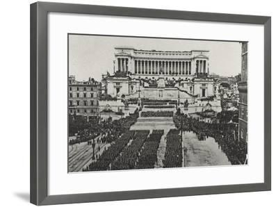 Visions of War 1915-1918: Celebrations at the End of the Great War-Vincenzo Aragozzini-Framed Photographic Print