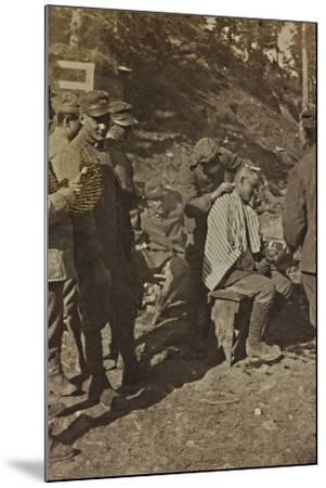 World War I: Italian Soldiers During the Shaving of the Hair--Mounted Photographic Print