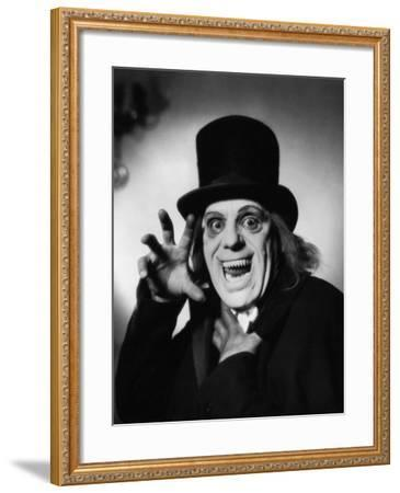 London after Midnight, 1927--Framed Photographic Print