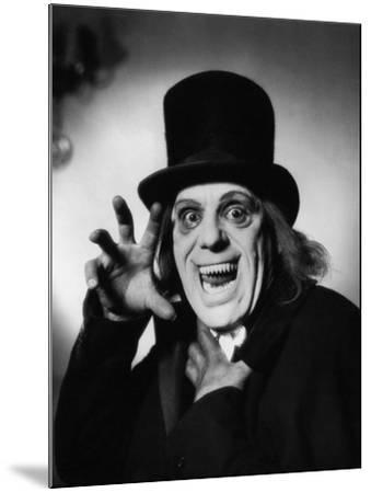 London after Midnight, 1927--Mounted Photographic Print