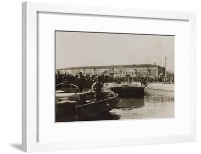 War Campaign 1917-1920: Group of Soldiers Await the Arrival of a Vessel in the Harbor--Framed Photographic Print