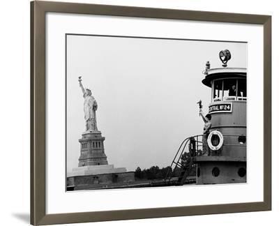 Funny Girl, 1968--Framed Photographic Print