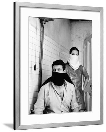 A Fine Pair, 1969 (Ruba Al Prossimo Tuo)--Framed Photographic Print