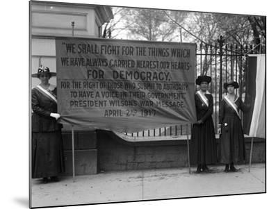 White House: Suffragettes--Mounted Photographic Print