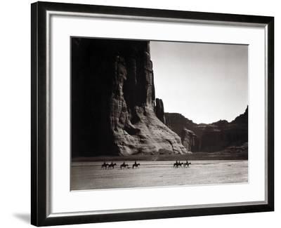 Navajos: Canyon De Chelly, 1904-Edward S^ Curtis-Framed Photographic Print