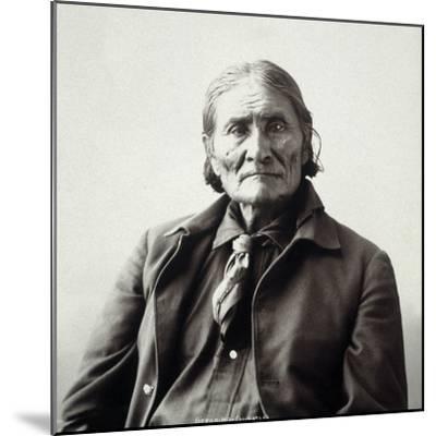 Geronimo (1829-1909)-Adolph F^ Muhr-Mounted Photographic Print