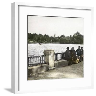 Madrid (Spain), Pond in Buen Retiro-Leon, Levy et Fils-Framed Photographic Print