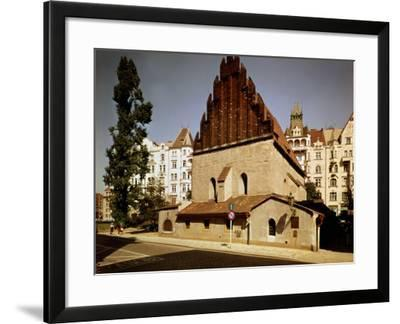 Oldest Synagogue in Europe, built 1270, Prague, Czech Republic--Framed Photographic Print