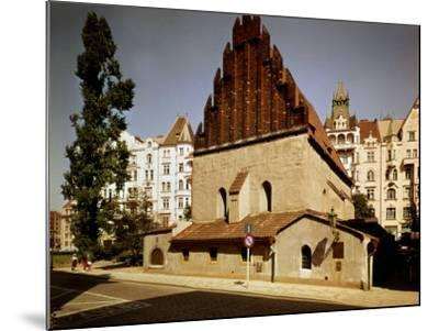 Oldest Synagogue in Europe, built 1270, Prague, Czech Republic--Mounted Photographic Print