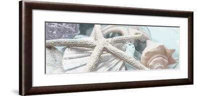 Gold Seashells I-Susan Bryant-Framed Photographic Print