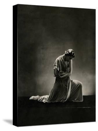 Vanity Fair - November 1931-George Hoyningen-Huen?-Stretched Canvas Print