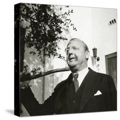 Vanity Fair - October 1934-George Hoyningen-Huen?-Stretched Canvas Print