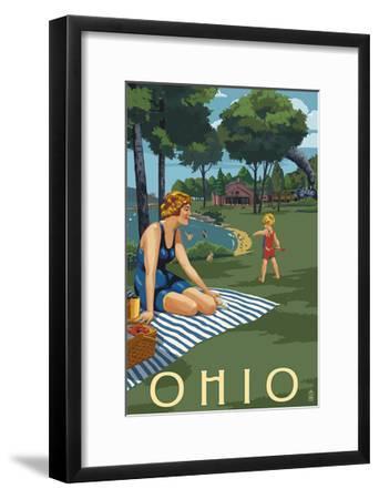Ohio - Lake and Picnic Scene-Lantern Press-Framed Art Print