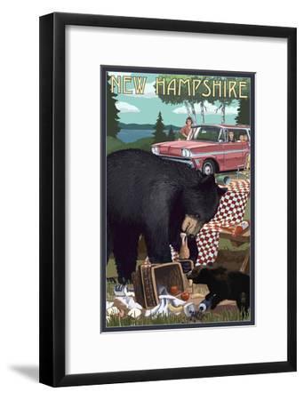 New Hampshire - Bear and Picnic Scene-Lantern Press-Framed Art Print